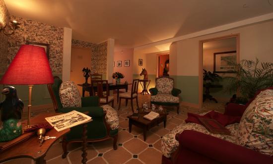 Hotel le Clement V : LE HALL D'ACCUEIL