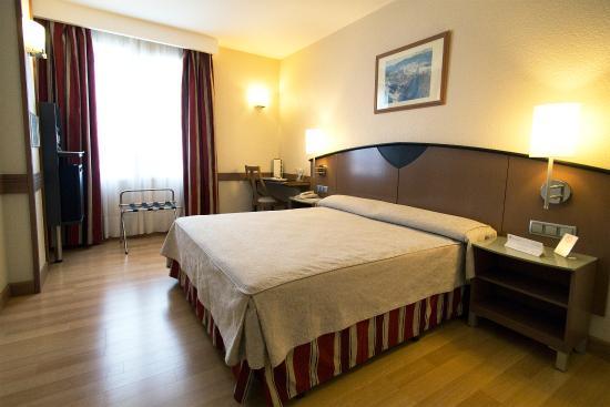 Hotel Albret: Habitacion standar