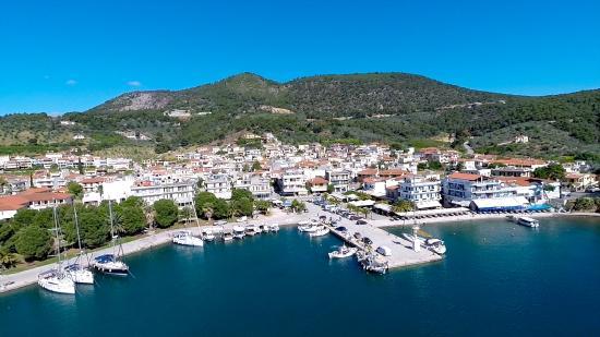 Hotel Saronis: Epidavros Harbor