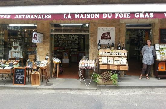 Entr e du magasin picture of la maison du foie gras for La maison du carrelage balma