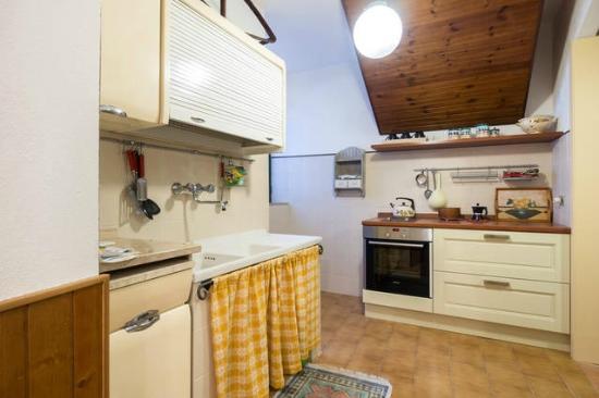 Il Borgo di Messenano : cucina casa marianna