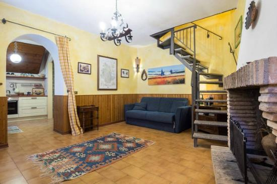 Il Borgo di Messenano : salotto Casa Marianna