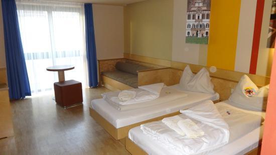 JUFA Hotel Graz City: Room
