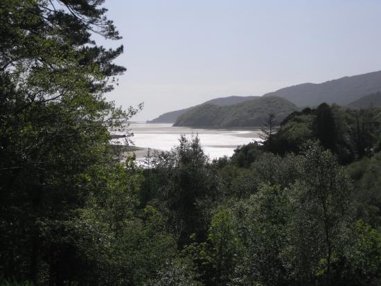 Coed Cae Bed & Breakfast: View of the Estuary from the outdoor seating