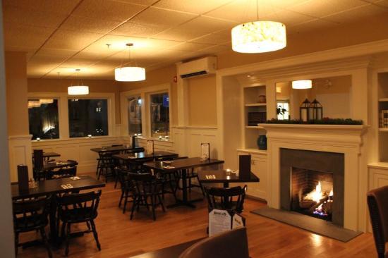 Rhea's Kitchen : Dining Room
