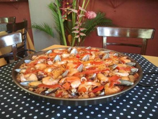 Do Galego: paella de mariscos