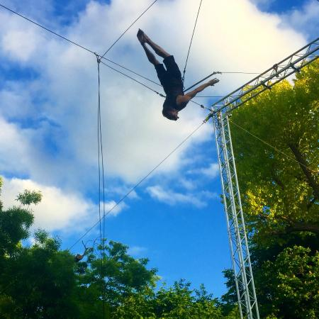 Gorilla Circus - Flying Trapeze School