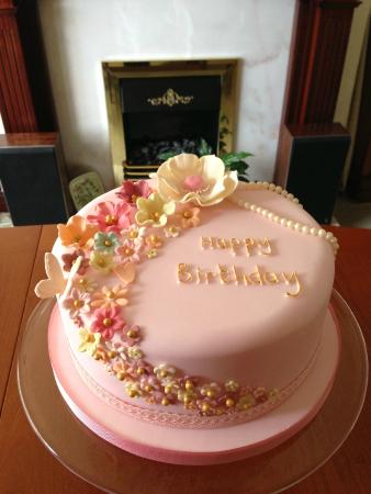 Elegant Cake Designs Birthday Cakes : Elegant birthday cake - Picture of Lilibets, Southport ...