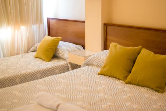 Center Hotel: Triple A Estrenar