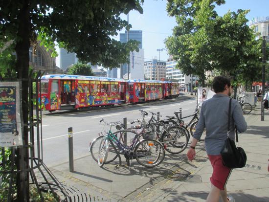 Ebbelwei Express: Pintoresco y económico tranvía para recorrer Frankfurt am Maine