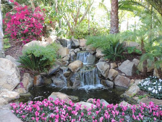 Grand Tradition Estate and Gardens : Grand Traditions
