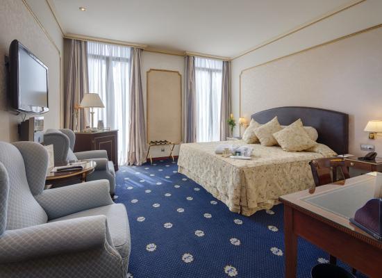 Hotel Roger De Lluria Barcelona: Classic King room