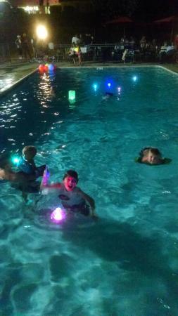 Riverbank Inn: Swimming at night.