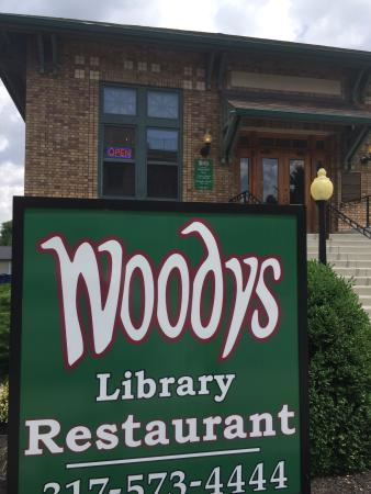 ‪Woody's Library Restaurant‬
