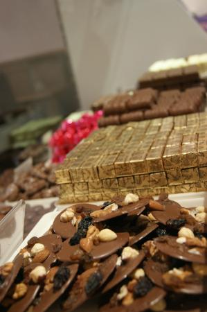 Leopold's Belgian Chocolates & Coffee House: A view of the Leonidas Counter