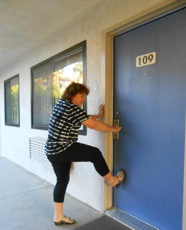 Merveilleux Motel 6 Palm Desert   Palm Springs Area: How To Get The Door Open!