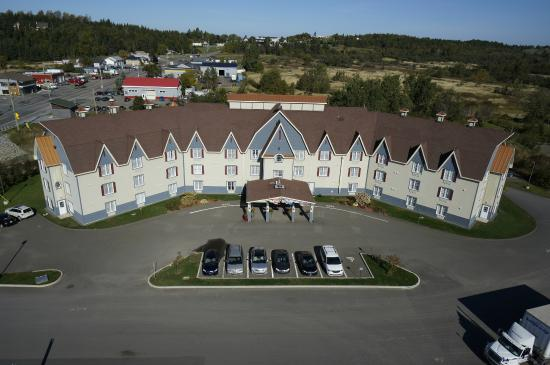 Quality Inn: Hotel & Grounds