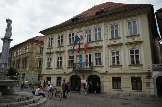 Sticna Mansion