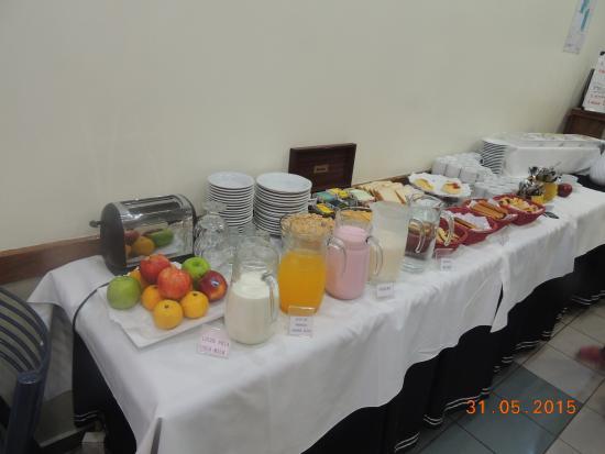 Hotel Plaza Roma: desayuno
