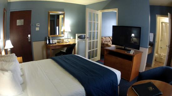 Quality Inn: Queen Suite