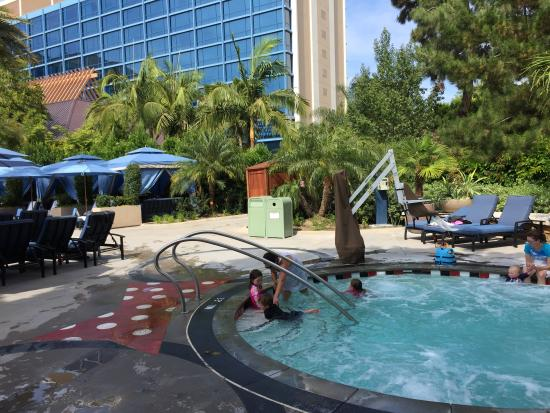 hot tub picture of disneyland hotel anaheim tripadvisor rh tripadvisor co nz