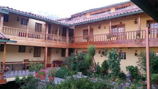 Amaru Hostal: El resto del hotel desde nuestra habitacion