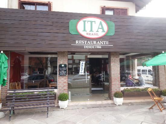 Foto de ita brasil restaurante gramado vista da fachada for Fachada para restaurante