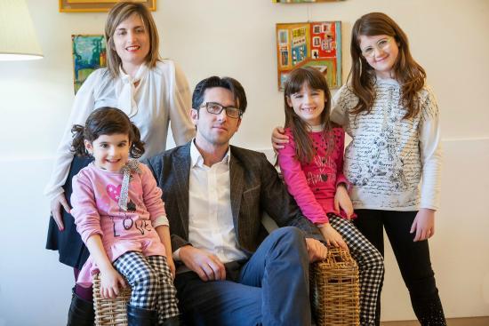 Villa Lalla: La famiglia Antonioli vi aspetta...