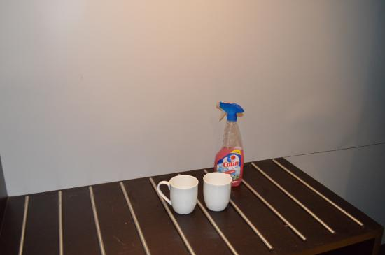 Blue Ocean Resort and Spa by Apodis : USED MUGS AND COLIN SPRAY IN ROOMS