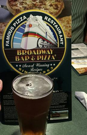 Broadway Bar and Pizza