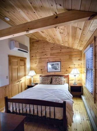 Point Lookout: Cabin Bedroom