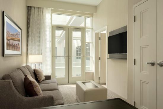 guest suite picture of embassy suites by hilton louisville rh tripadvisor com