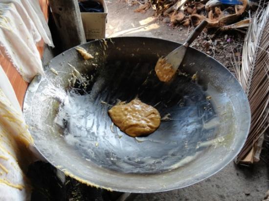 Coconut Sugar Farm: ココナッツシュガー製造過程