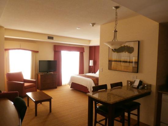 Residence Inn Halifax Downtown: Room 405