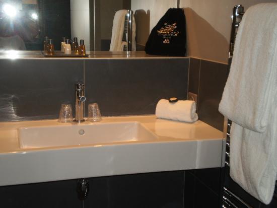 Hotel Napoléon : salle de bain