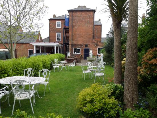 The Bosun's Chair: Lovely beer garden