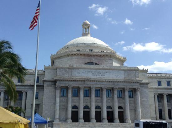 Plaza San Juan Bautista