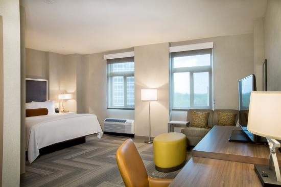 Cambria Hotel & Suites Rockville