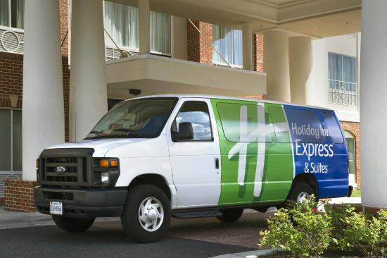 Holiday Inn Express & Suites Alexandria-Fort Belvoir: Free Shuttle to Huntington Metro
