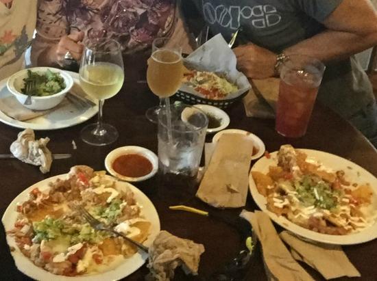 La Laguna Mexican Restaurant Hours