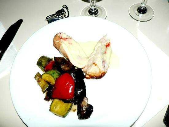 Toaca Bellevue: Chicken breast with grilled vegetables
