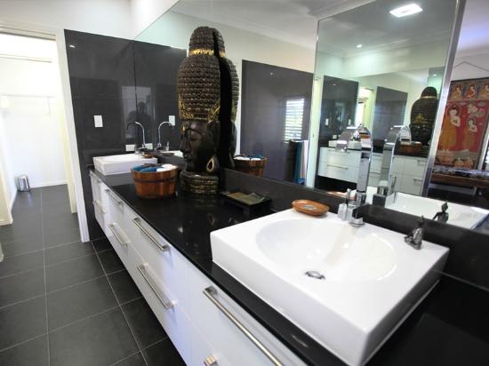 Mai Tai Resort: Executive Villa - Large Bathroom