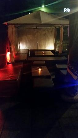Friend's Cafe': Terrazzo estivo Very cool