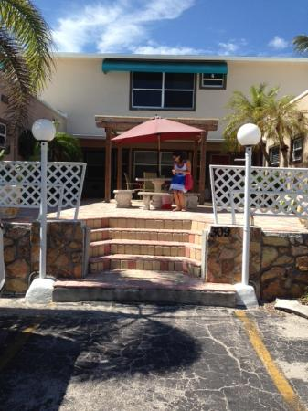 Sun Beach Inn Fe Edificio