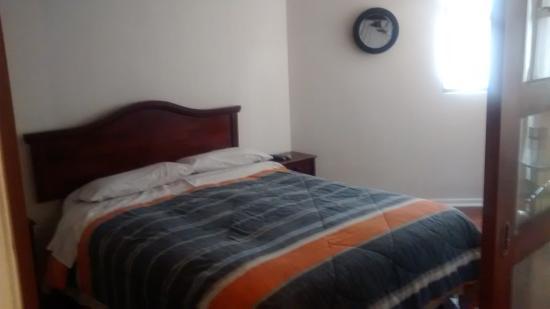 Museo De Artes Apartments: habitacion, cama comodisima.