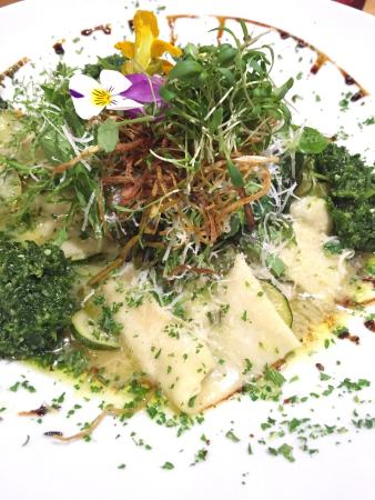 Vangionis Trattoria and Bar: Ricotta ravioli with vegetables.