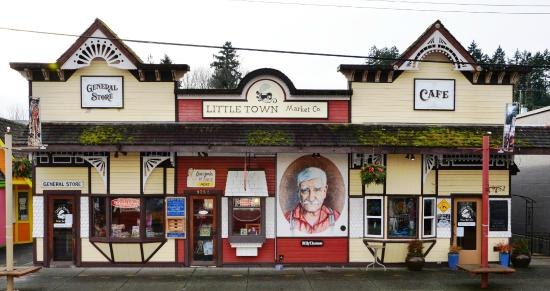 Eagle Rock Bed and Breakfast Chemainus: Murals in Chemainus