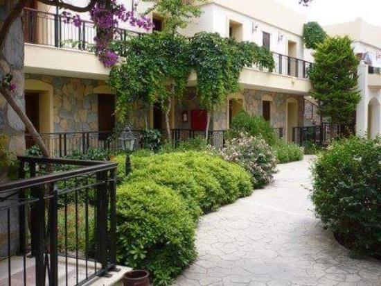 WOW Bodrum Resort: Nog een foto van de prachtige straatjes!