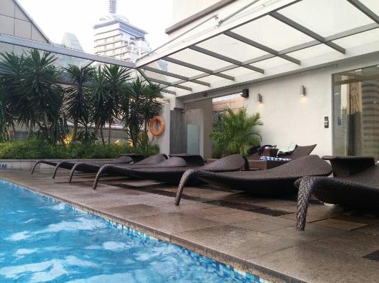La piscine swimming pool picture of fraser place kuala for La piscine pool