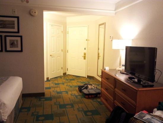 La Quinta Inn & Suites Lakeland West: other view of the room